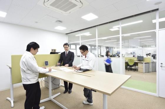 07.オフィス執務風景